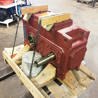 Flender Gear box  1:10,75 / 39 kW